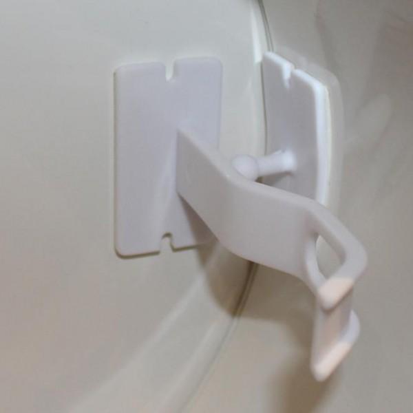 Einwurftür mit Kindersicherung und Magnetschnapper